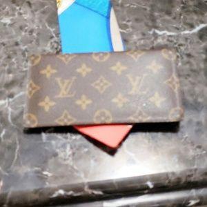 Louis Vuitton checkbook fh8312